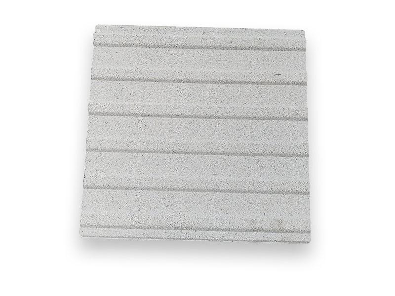 Taktilna oznaka - rebrasta, vodilna, bela