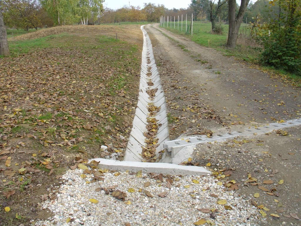 Kanaleta s pokrovom